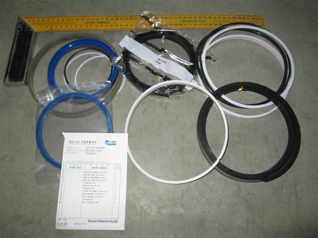 Ремкомплект гидроцилиндра стрелы K9002003