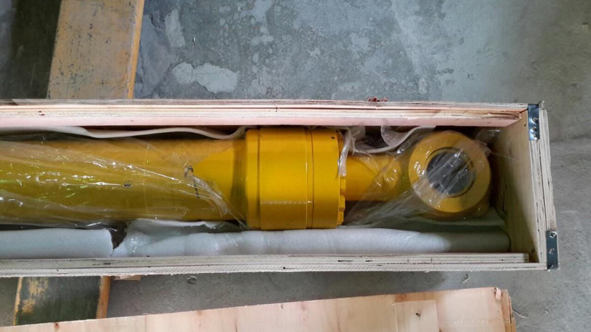 Гидроцилиндр ковша РС-200-7 707-01-0A321