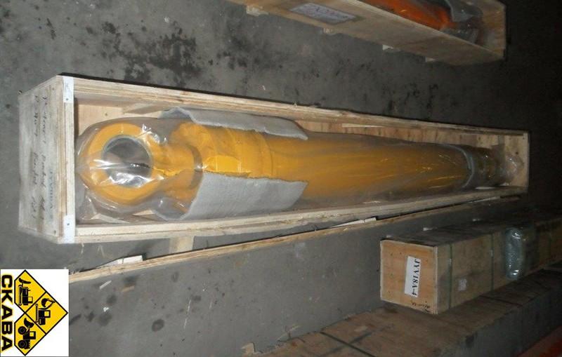 Гидроцилиндр рукояти 206-63-02521