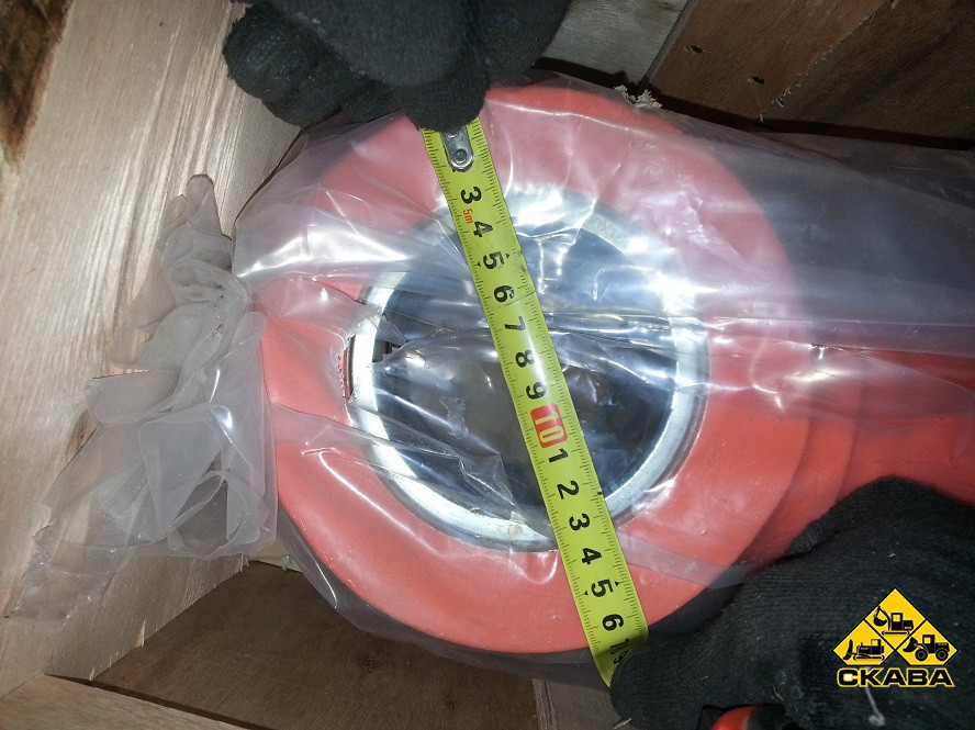 Гидроцилиндр стрелы 440-00355A