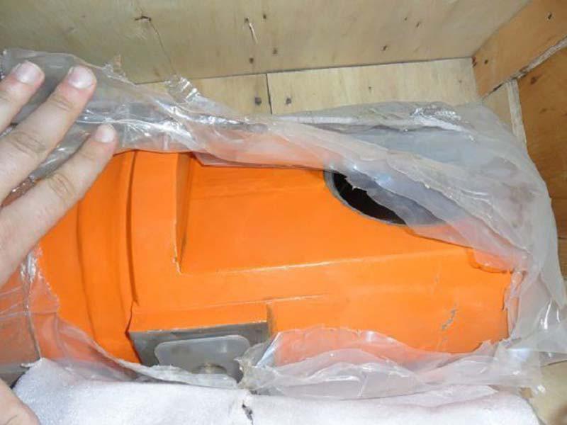 Гидроцилиндр ковша 9255452 ZX-330-3