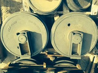 Колесо направляющее Komatsu 208-30-00200
