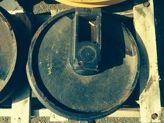 Колесо направляющее Komatsu 20Y-30-00030